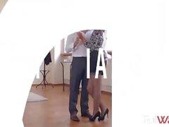 Aylin Diamond - Danza della lezione Masturbazione con - ( Hot Legs e piedi)