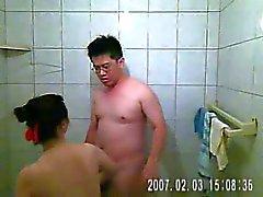 la videoregistrazione e mia moglie avere rapporti sessuali nella stanza da bagno