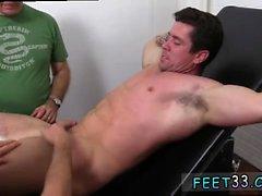 Gay clip vidéo fétiche Trenton Ducati Bound & Tickle d