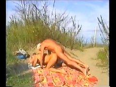 tannées daddies de plage avec les spectateurs