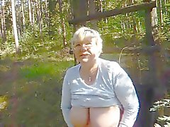 Granny BBW fucks herself standing
