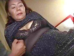 Mamie asiatique fantastique