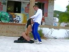 Klaudia Hot flashes and ripped in public