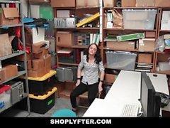 ShopLyfter - Petite Spinner liittyi tuolin varastamiseen