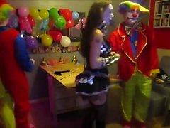 Cam4 2 Clowns Pain Avec Ohmibod Une camgirl allemande Kikrak