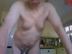 morfar i köket