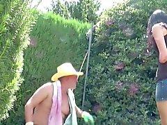 Vater Fickt seine Stief - Tochter esterni im Garten