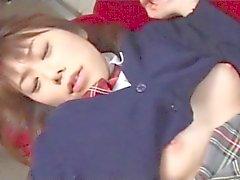 otobüs içinde japon kızı