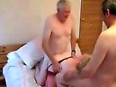 trio swinger madura em um hotel Yuri da 1fuckdatecom