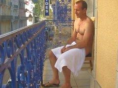 daddy auf Balkon