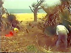 Белый девушка на африканском пляж винтаж