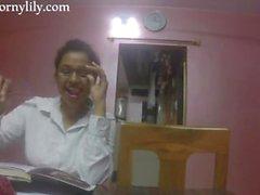 secretário indiano sacanagem recebe excitada no escritório