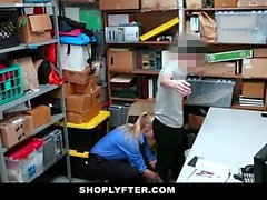 ShopLyfter - Guy est dominé par un officier de LP