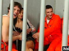 ragazze stupefacenti si prega di ragazzi nel carcere