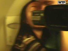 Aurita estava chupando um desconhecido pau no avião enquanto ela estava viajando para