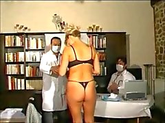 Une patiente chez 2 gynecos tres pervers