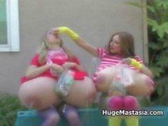 Twee geile snoep liefdevolle babes met enorme