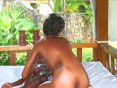Upeat nuubalaiset paratiisissa