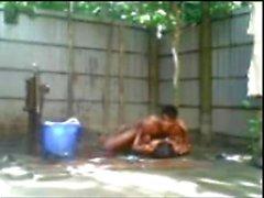 Бангладешское мальчиком п девушка ебля по открытая ванна