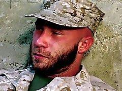 Soldato appassionato di porta sperma