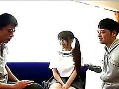 Japon Kız Öğrenci İçin Üçlü