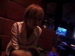 japon otelde bar, printclub ve eylemlerine maruz