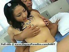 Megumi Haruka unschuldiger chinesischen Küken wird Möse fingern und küssende