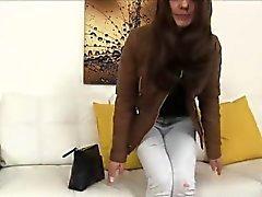 Sexyl Dominika começa seu bichano fodidos duramente por um agente de elenco