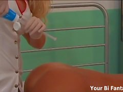 L'infermiere strapon immaginazione sta per avverarsi