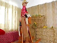 Брутальный стыковой страпоном с ковбоев
