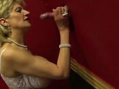 Big tit Lady Sonia visits a gloryhole