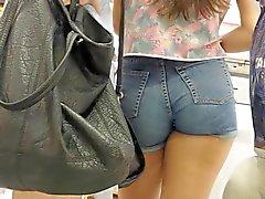même sexy des shorts courts bleue