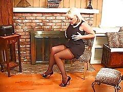 Kandi Cox busty bir kadın gösterisi