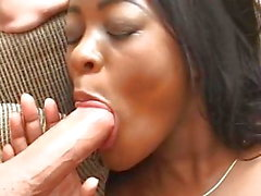 Sexy Black Teen primo anale MMF Interrazziale