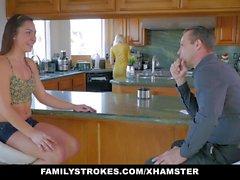 FamilyStrokes - Cogido cogiendo a mi padrastro