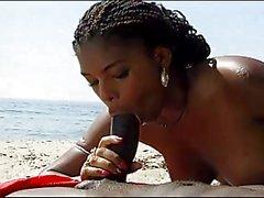 Catfight - Vereins Sex auf den Strand