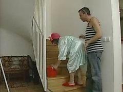 Sporgenza Vaffanculo Aiuto domestico matura