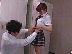 Moe Sakuran , koulutyttö erää , janoaa