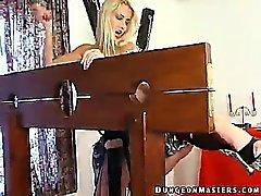 De esclavos atados y enmascarados Junkova obtiene vía anal sancionado con una