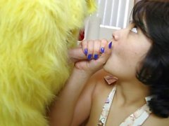 Teen Gets Blowbanged and fucked!