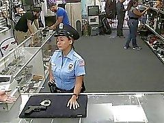 Gajo bateu com esta ampla policial burro