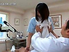 Giapponese per infermiera per Chesty sedurre il medico sul lavoro