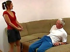 Чистое семейная половой : деда с внучкой вновь