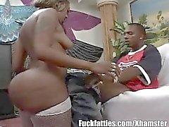 Огромная Ebony сопровождение девочка трахает ее Horny клиент