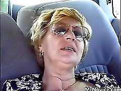 Abuela de digitados Fucked In Del Coche