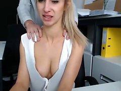 Kamu seks 2'de büyük göğüsler ile Sıcak genç