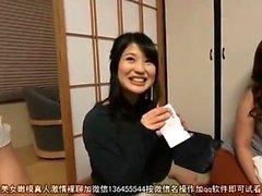 Kåta japanska tonåringar i heta gangbang och sexleksaker