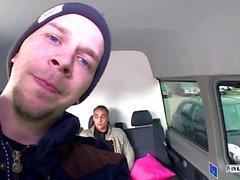 Fannulloni dell'autobus - German Josy nero equitazione cazzo dentro dorso di una un furgone