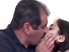 El ama de casa arab Visto Sexuales En En El Sofá Que