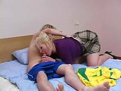 Экзотическая сочная задница шлюха Энни Круз любит хардкор секс